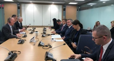Zvizdić u Washingtonu s potpredsjednikom Svjetske banke Cyrilom Mullerom