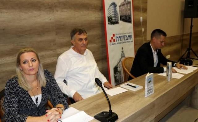Mostar: Predstavljena knjiga 'Nebo boje potočnice' Zvonimira Mikulića
