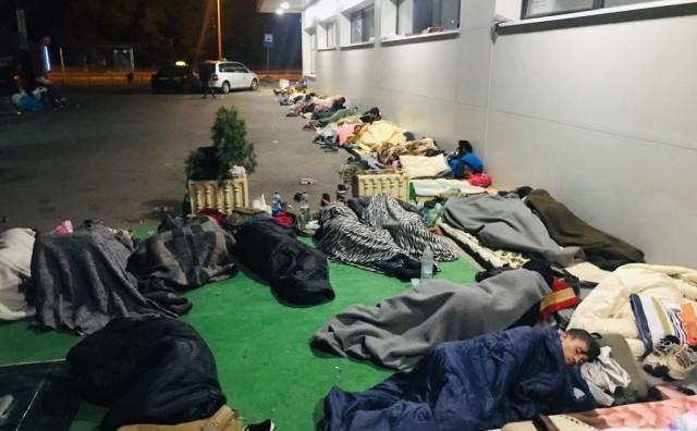 Volonteri tvrde: Među migrantima u Tuzli pojavila se šuga