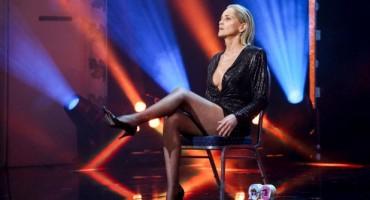 Sharon Stone u 62. godini ponovila interesantnu scenu koja je proslavila