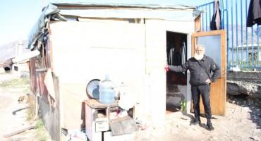 Tužna priča mostarskog beskućnika: Preživljavam zahvaljujući pomoći dobrih ljudi