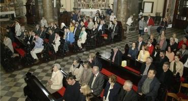 Istraživanje u Hrvatskoj: Smanjio se broj ljudi koji ide u Crkvu i povjerjenje u nju, osobna religioznost ostala stabilna