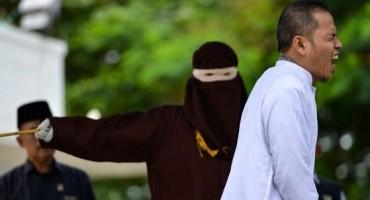 Indonežanski vjerski vođa bičevan zbog bluda