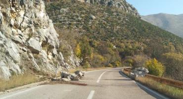 Odron na cesti Mostar - Čitluk: Vozači se pozivaju na oprez
