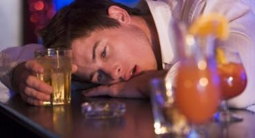 Provalio u podrum sa skupim vinima, pa se otrovao alkoholom