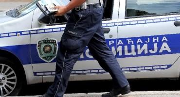 U Srbiji uhićeno 13 krijumčara koji su preko Dunava u Hrvatsku prevozili migrante
