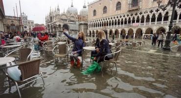 Veneciju pogodila još jedna iznimna plima, najgori tjedan u posljednjih 150 godina