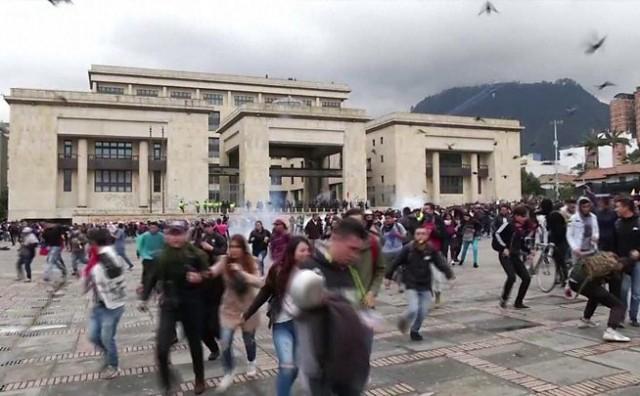 Bogota se oporavlja nakon prvog redarstvenog sata nakon 70-ih godina