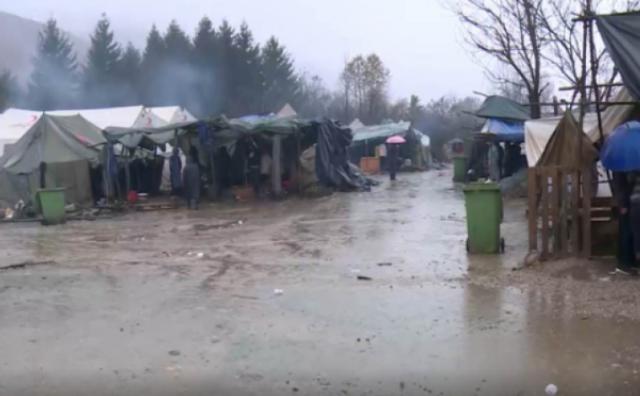 Migrantski kamp Vučjak poplavljen, vjetar uništio šatore