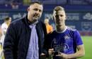 Novinar iz Hercegovine Olmu uručio nagradu za najboljeg nogometaša Dinama