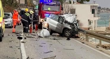 MAGISTRALA ZATVORENA Teška prometna nesreća kod Omiša, jedna osoba poginula