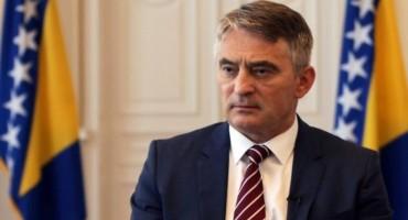 PISMO KOMŠIĆU: Kao Hrvatica glasala sam za Vas, a sada pristajete na Čovićeve uvjete
