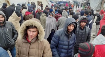 Drama u kampu Vučjak: Migranti napali policiju