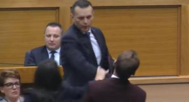 LUKAČ Stanivuković nema nikakve ozljede, vidimo se na sudu!