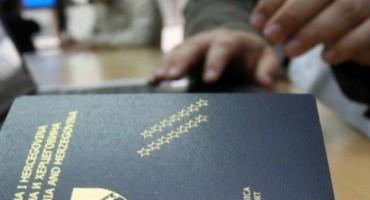 ILEGALNI BORAVAK Devet osoba protjerano iz BiH