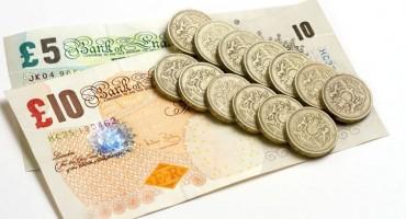 Dolar oslabio, funta ojačala nakon izbora u Britaniji