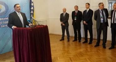 Hrvatska namjenska industrija predstavila u Sarajevu naoružanje i vojnu opremu