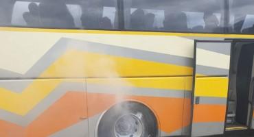 Zapalio se autobus kod Bosanskog Broda