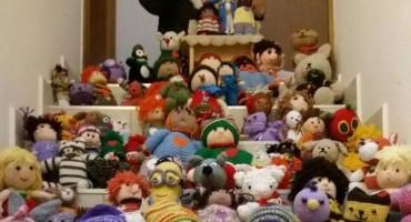 Mostarka isheklala 100 vunenih lutki: Prihod od donatorske večeri ide vrtiću 'Sunčani most'