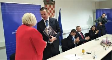 ZAGREB Potpisani ugovori za poticanje povratka Hrvata i stvaranje održivih uvjeta života u Bosni i Hercegovini