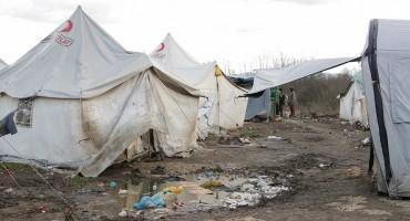 Migranti iz kampa Vučjak kod Bihaća biti će premješteni u srijedu u druge kampove