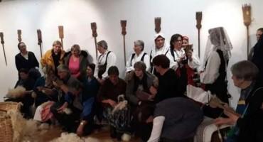 Livnjaci pokazali tradicionalni način obrade vune