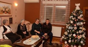 MOSTAR Tradicionalni božićni običaji obitelji Pehar