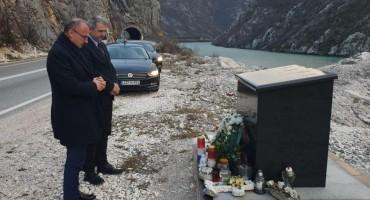Hrvatski ministar odao počast poginulim mostarskim studentima