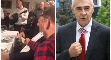 GENERAL GLASNOVIĆ Da li je normalno da osobe poput Šerbedžije i Nobila pjevaju pjesme koljača Hrvatskoga naroda