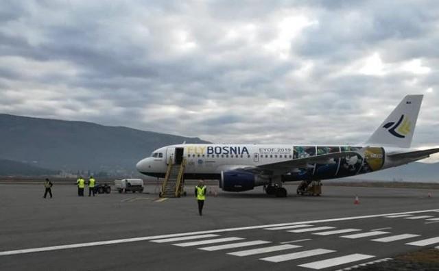 Prvi avion FlyBosnie sletio u Mostar, najavljena linija Mostar - Rim