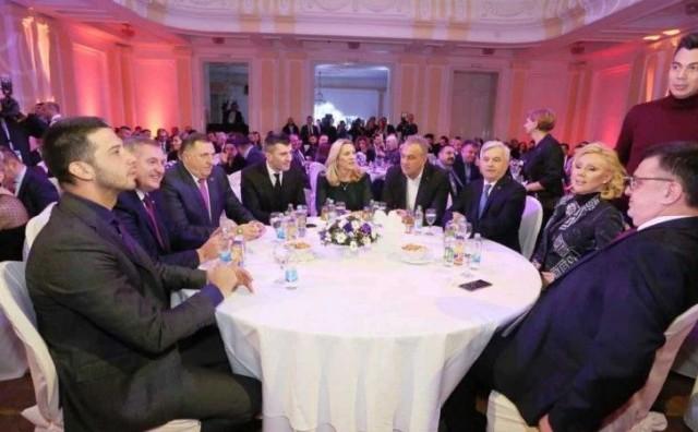 Dodik i Lepa Brena u humanitarnoj akciji za djecu s poteškoćama
