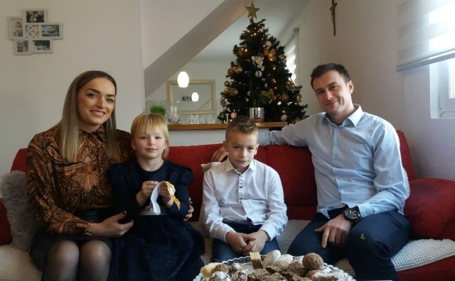 PRIPREME ZA BOŽIĆ U obitelji Kozina iz Visokog poštuje se tradicija