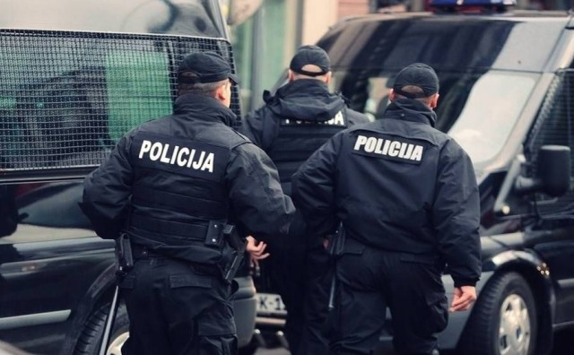 Zaštitari u tržnom centru u Sarajevu brutalno tukli migranta