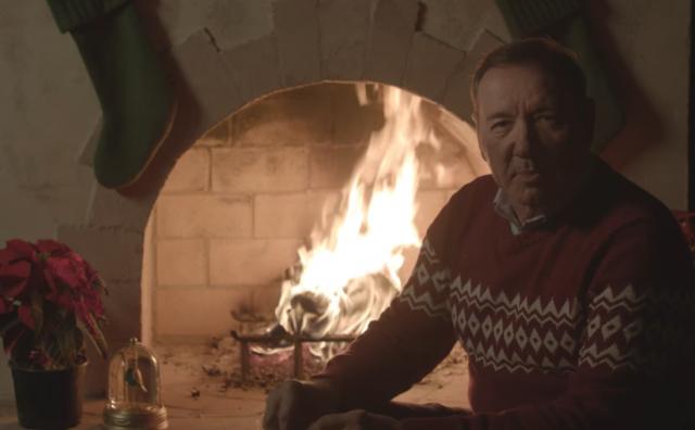 Kevin Spacey u stilu lika iz Kuće od karata čestitao Božić