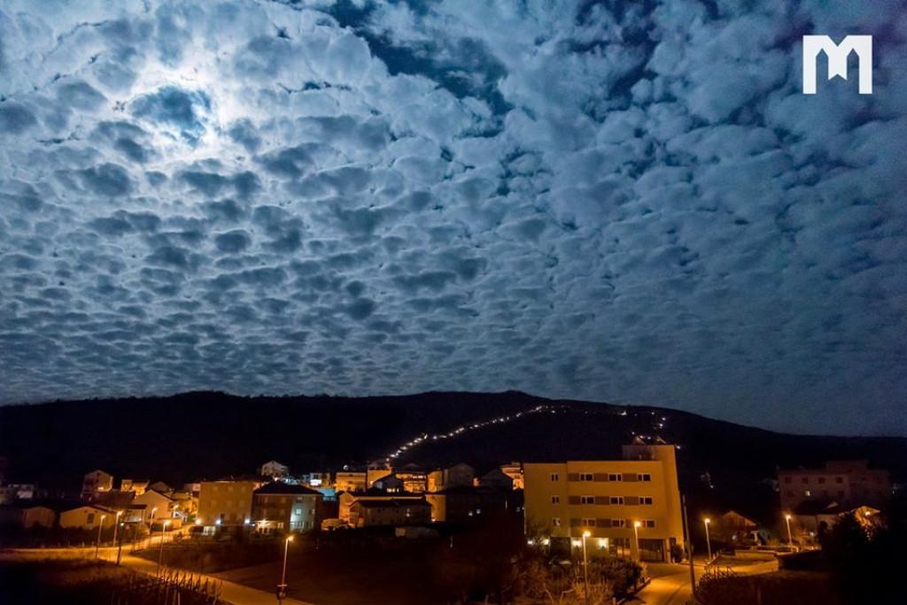 Pogledajte predivno nebo iznad Brda ukazanja