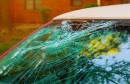 NEOPREZNI HERCEGOVAC Nije zaključao auto pa mu pijanac ušao i razbio staklo