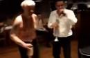 DAO SI ODUŠKA Emir Hadžihafizbegović ludovao uz glazbu i alkohol