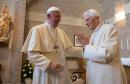 Papa Benedikt XVI. povukao svoje ime s knjige koja je podijelila Vatikan