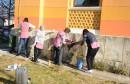 Djelatnice čistile grafite s Gimnazije Mostar