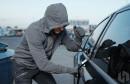 POLICAJCI INTERVENIRALI Na poziv građana zatekli Širokobriježanina u pokušaju krađe automobila