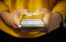Predložen zakon koji bi zabranio korištenje i posjedovanje mobitela mlađima od 21 godine