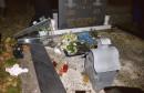 DOM NARODA FBiH Klub Hrvata osudio skrnavljenje katoličkog groblja u Tuzli