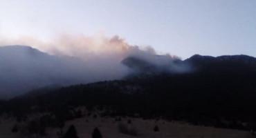 Mostarski vatrogasci gase dva požara u okolici Mostara