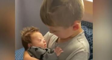 Prekrasna snimka bratske ljubavi koju je u jednoj noći pregledalo milijun ljudi