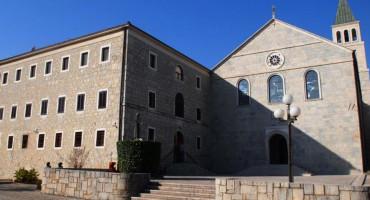 GLASILO STOPAMA POBIJENIH Gvardijan na Humcu piše o napadima angloameričkih zrakoplova na crkvu i samostan