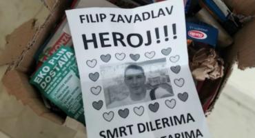 SLAVE UBOJICU U Splitu leci s porukama 'Filip Zavadlav heroj', 'Smrt dilerima i kamatarima'