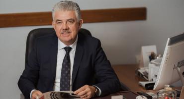 SDP TRAŽI SMJENU VLADE Herceg kao da daje svoj novac za stipendije, a ne novac građana županije