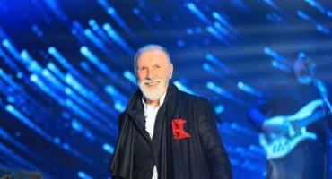 Novogodišnji show pred više od 60.000 ljudi na glavnom trgu u Skoplju
