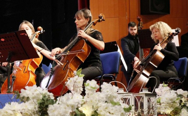 Mostarski simfoničari oduševili Novogodišnjim koncertom