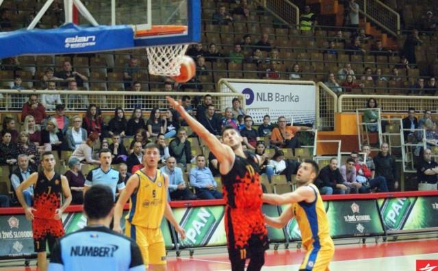 Košarkaši OKK Slobode u dramatičnoj završnici bolji od igrača Proma